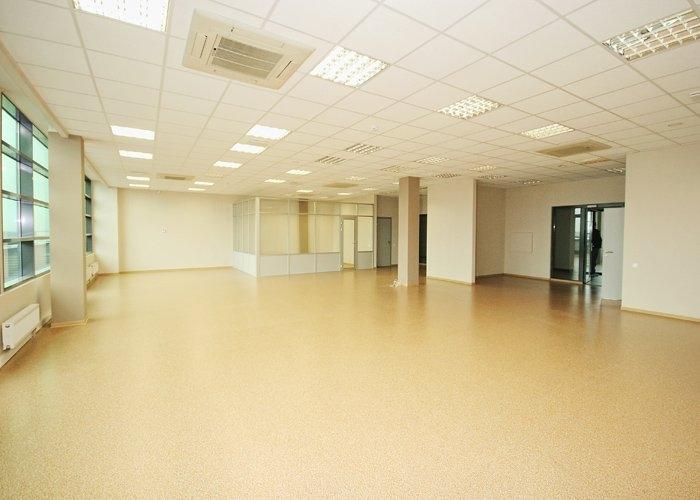 Объявление. Birojs Ziepniekkalnā, jaunā biroju ēkā.  + 5. stāvā.  + Pašlaik birojs sastāv no atērtas telpas un Цена: 1802 EUR/мес. Foto #3