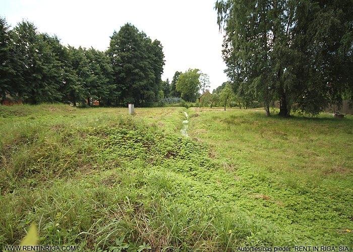 Sludinājumi. Pārdod apbūves zemes gabalu Jūrmalā Mellužos. Zemes gabals atrodas ļoti labā un klusā vietā Kanāla Cena: 260000 EUR Foto #2