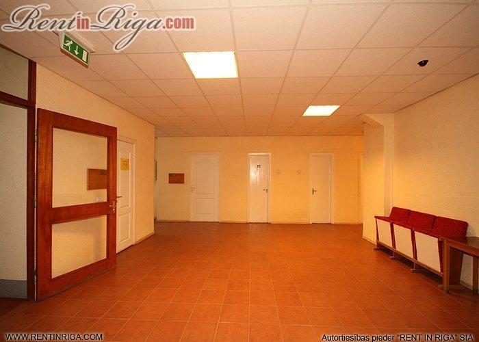 Объявление. Tiek iznomātas biroja telpas pašā Jelgavas centrā.   Katrā stāvā ir savas tualetes atsevišķi gan Цена: 203 EUR/мес. Foto #5