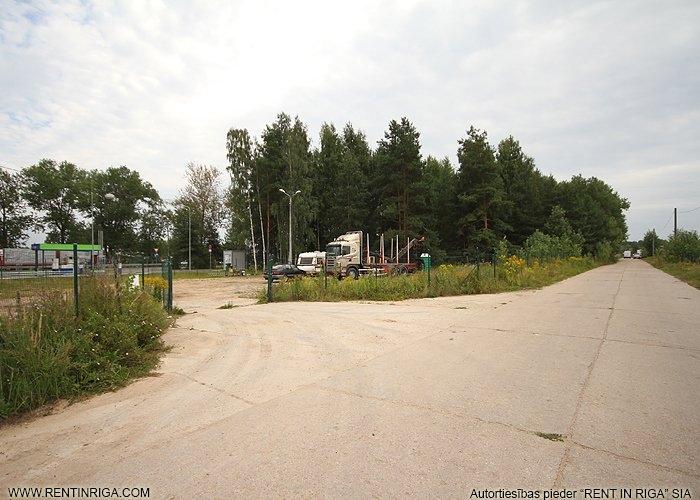 Sludinājumi. Iznomā zemes gabalu blakus degvielas uzpildes stacijai Neste.   Iespēja nomāt no 1000 kvm līdz 6000 Cena: 1800 EUR/mēn Foto #2
