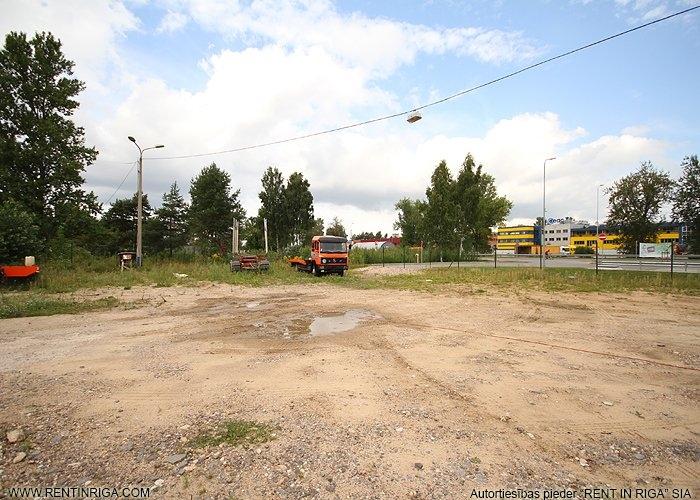 Sludinājumi. Iznomā zemes gabalu blakus degvielas uzpildes stacijai Neste.   Iespēja nomāt no 1000 kvm līdz 6000 Cena: 1800 EUR/mēn Foto #4