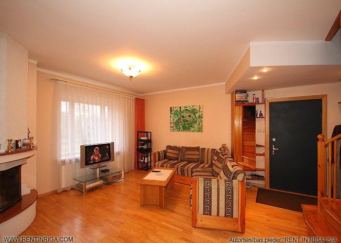 Объявление. Pārdod trīslīmeņu dzīvokli specprojekta mājā Jūrmalā Brīvības prospektā.  Plānojums: Pirmajā līmenī Цена: 145000 EUR Foto #3