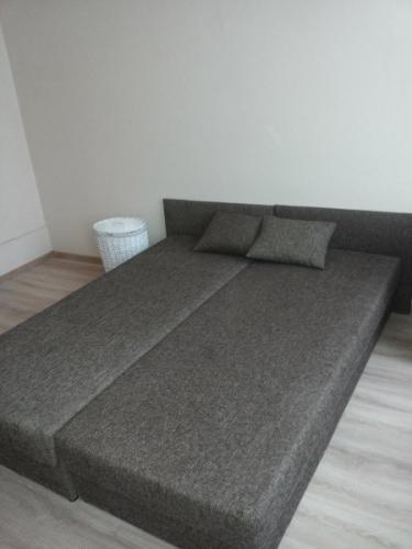Sludinājumi. Pārdod remontētu dzīvokli ar iespēju nopirkt arī blakus esošo dzīvokli (35 000 EUR). Dzīvokļi ir Cena: 36000 EUR Foto #2