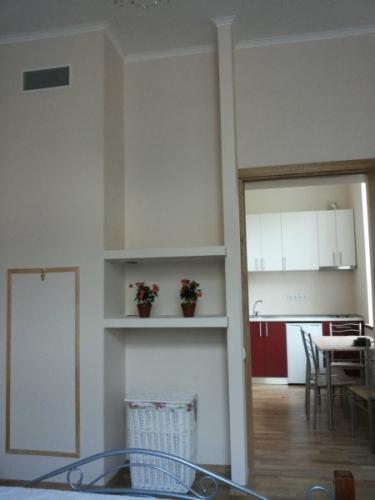 Sludinājumi. Pārdod remontētu dzīvokli ar iespēju nopirkt arī blakus esošo dzīvokli (35 000 EUR). Dzīvokļi ir Cena: 35000 EUR Foto #1