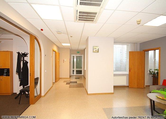 Sludinājumi. Iznomā biroja telpas Mežciemā.  Telpas atbrīvosies 2020. gada nogalē!  Tiek iznomāts ēkas 4. stāvs Cena: 2800 EUR/mēn Foto #3