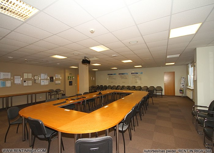 Sludinājumi. Iznomā biroja telpas Mežciemā.  Telpas atbrīvosies 2020. gada nogalē!  Tiek iznomāts ēkas 4. stāvs Cena: 2800 EUR/mēn Foto #6