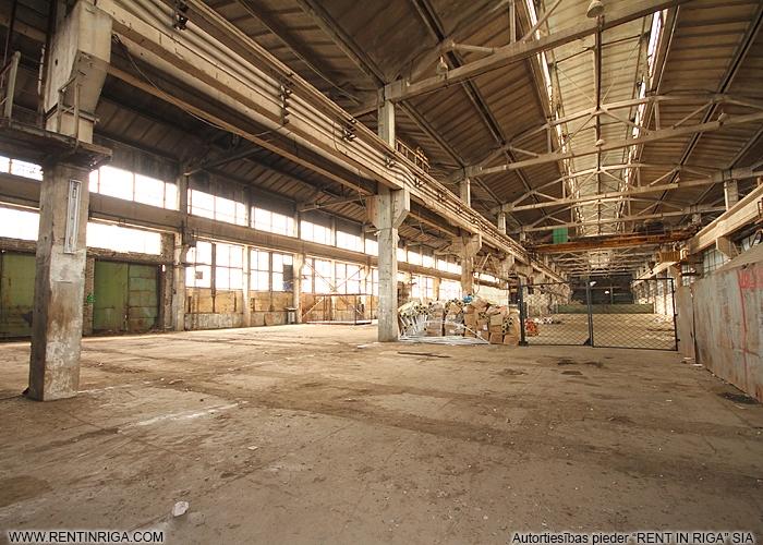 Sludinājumi. Pārdod neapkurināmu noliktavas/ražošanas telpas Pļavniekos.  + Ražošanas un komerdarbības apbūves Cena: 1.6e+06 EUR Foto #3