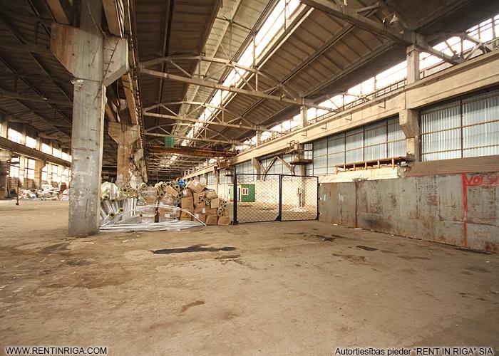 Sludinājumi. Pārdod neapkurināmu noliktavas/ražošanas telpas Pļavniekos.  + Ražošanas un komerdarbības apbūves Cena: 1.6e+06 EUR Foto #4
