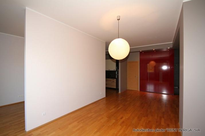Sludinājumi. Pārdošanā gaišs un plašs dzīvoklis jaunā projekta mājā Rīgas centrā ar kopējo platību 66m2.  Cena: 133000 EUR Foto #2