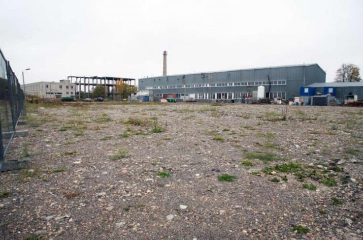 Sludinājumi. Noliktavu/ražotņu un biroju komplekss Ķekavā.  Iznomājam iežogotus āra laukumus tehnikas, Cena: 100 EUR/mēn Foto #3