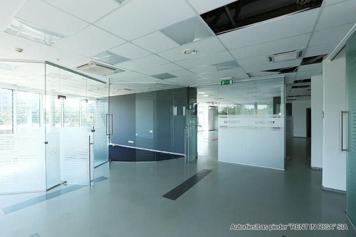 Объявление. Funkcionāls un moderns birojs A-klases biroju ēkā Duntes un Skanstes ielu krustojumā. Nomājot Цена: 4550 EUR/мес. Foto #4