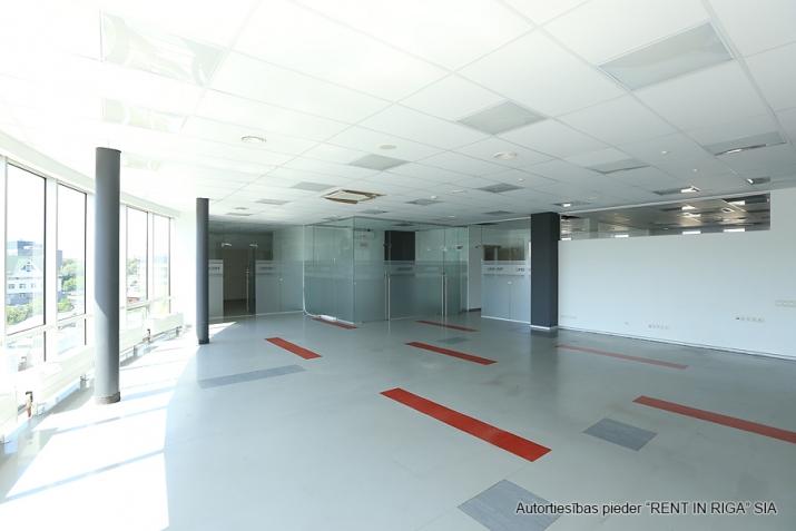 Объявление. Funkcionāls un moderns birojs A-klases biroju ēkā Duntes un Skanstes ielu krustojumā. Nomājot Цена: 4550 EUR/мес. Foto #5