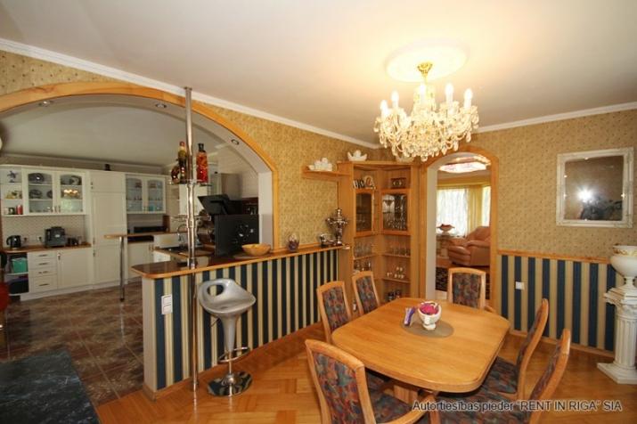 Sludinājumi. Plaša ģimenes māja. Kur par visu un visiem padomāts. Var dzīvot viena ģimene vai kopā ar vecāku vai Cena: 258000 EUR Foto #5