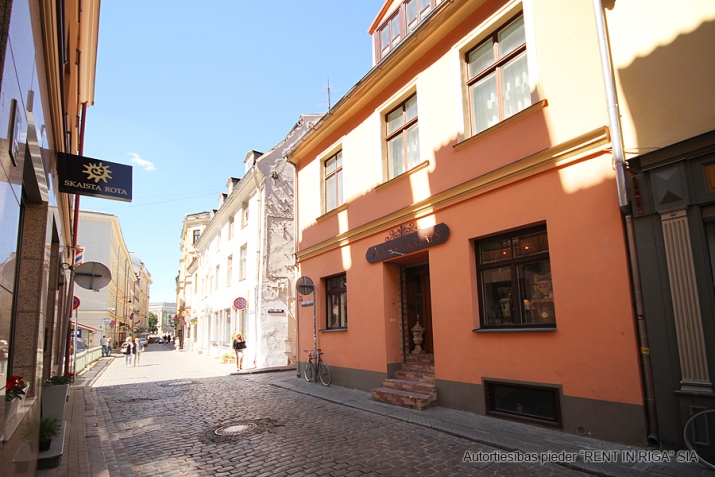Sludinājumi. R.Vāgnera un Mucenieku ielu krustojums.  Telpas restorānam, kafejnīcai, bāram vai veikalam.  Cena: 3000 EUR/mēn Foto #2