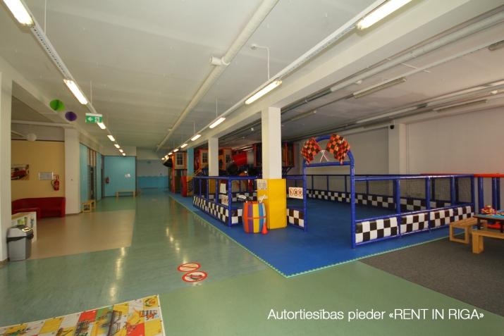 Sludinājumi. Birojs Mežciemā.  + 2. stāvs. + Platība sastāv no atvērtām telpām, vairākām izolētām telpām, Cena: 6112 EUR/mēn Foto #4