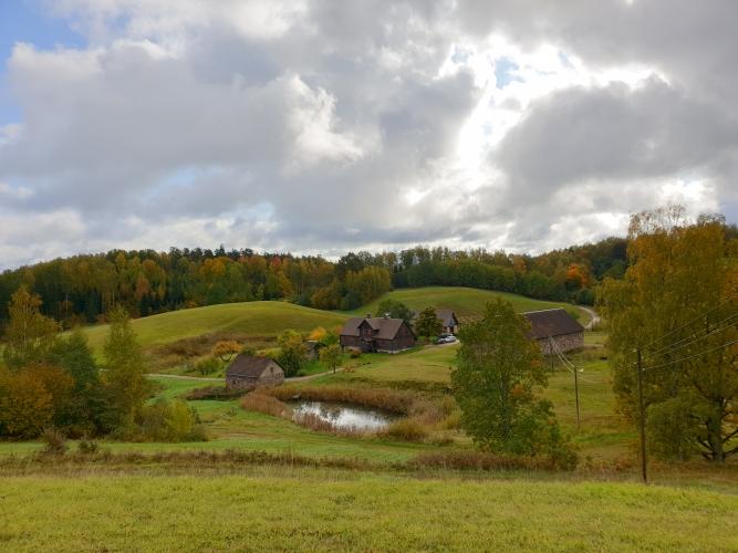 Sludinājumi. Unikāla iespēja iegādāties ainavisku un plašu īpašumu paradīzes nostūrī! Kalni, mežs un ūdens, Cena: 1.05e+06 EUR Foto #2