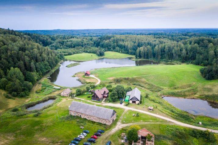 Sludinājumi. Unikāla iespēja iegādāties ainavisku un plašu īpašumu paradīzes nostūrī! Kalni, mežs un ūdens, Cena: 1.05e+06 EUR Foto #1