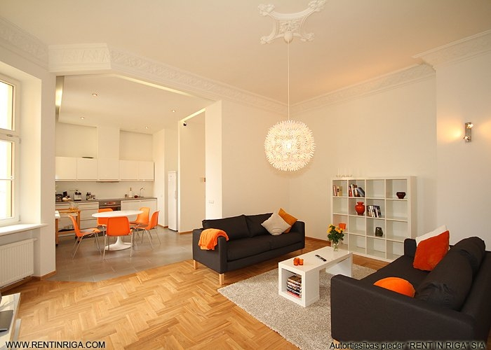 Объявление. Предлагается в аренду квартира в красивом здании в стиле модерн на улице Валдемара. Квартира Цена: 1500 EUR/мес. Foto #1