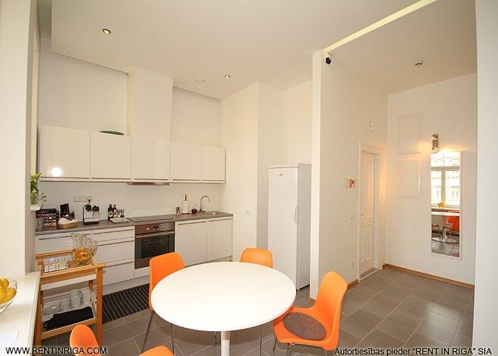Объявление. Предлагается в аренду квартира в красивом здании в стиле модерн на улице Валдемара. Квартира Цена: 1500 EUR/мес. Foto #4