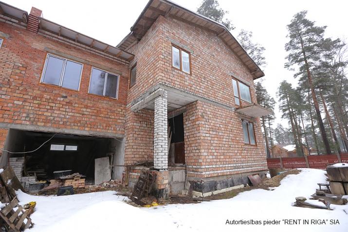 Sludinājumi. Pārdod kvalitatīvi būvētas, plašas Dvīņu mājas skaistā un klusā rajonā Langstiņi. Netālu atrodas Cena: 180000 EUR Foto #6