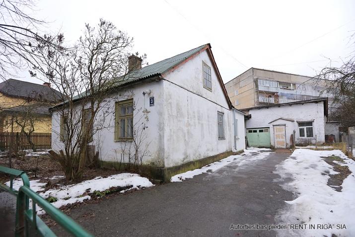 Sludinājumi. Pārdodas zeme  Purvciemā, Kurmju ielā 3, pretī Sportima.  Uz teritorijas var būvēt daudzstāvu māju. Cena: 110000 EUR Foto #5