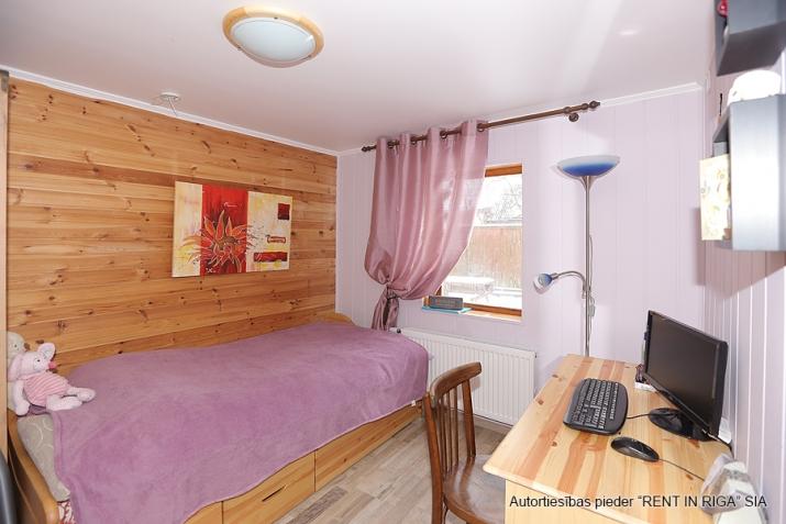 Sludinājumi. Pārdodas 4 istabas māja Jūrmalā. Māja pēc rekonstrukcijas, teicamā stāvokli. Mainīta santehnika, Cena: 115000 EUR Foto #4