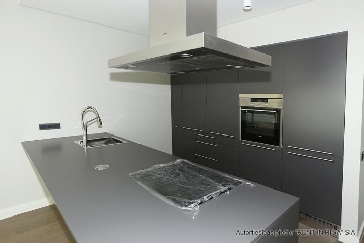 Sludinājumi. Plašs dzīvoklis Jūrmalā, Dubultos.   Jaunais projekts, augstas kvalitātes apdari. Plaša viesistaba, Cena: 460000 EUR Foto #3