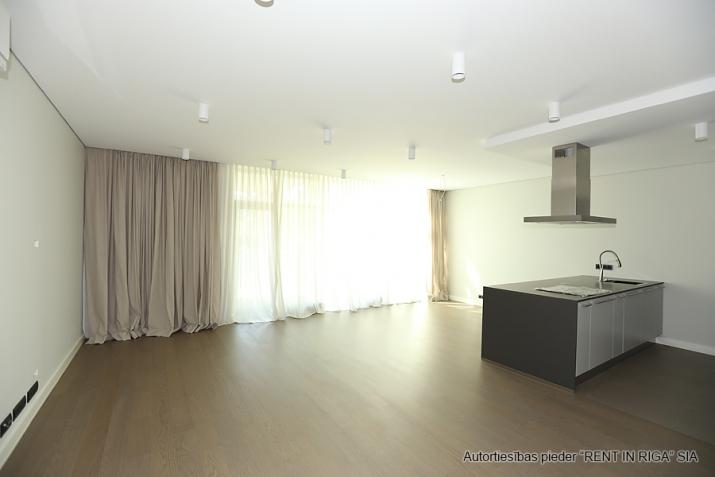 Sludinājumi. Plašs dzīvoklis Jūrmalā, Dubultos.   Jaunais projekts, augstas kvalitātes apdari. Plaša viesistaba, Cena: 460000 EUR Foto #4
