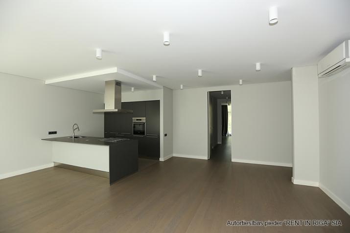 Sludinājumi. Plašs dzīvoklis Jūrmalā, Dubultos.   Jaunais projekts, augstas kvalitātes apdari. Plaša viesistaba, Cena: 460000 EUR Foto #5