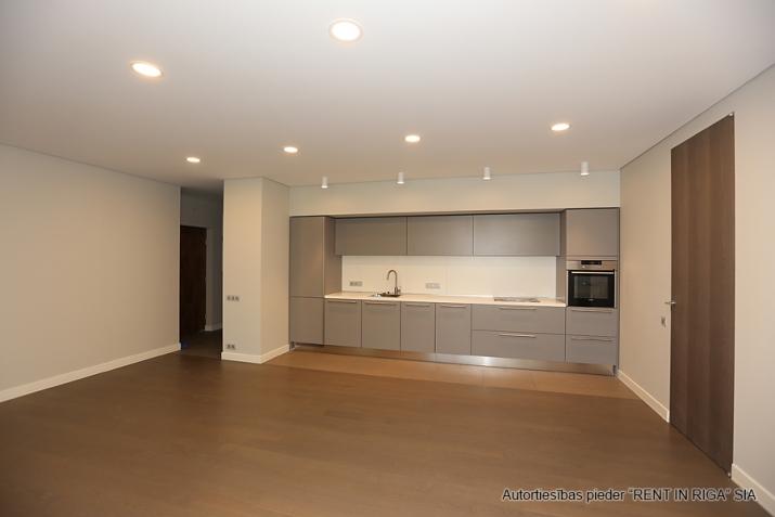Sludinājumi. Plašs dzīvoklis Jūrmalā, Dubultos. Jaunais projekts, augstas kvalitātes apdari. Plaša viesistaba, Cena: 329000 EUR Foto #3