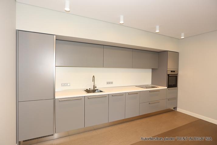 Sludinājumi. Plašs dzīvoklis Jūrmalā, Dubultos. Jaunais projekts, augstas kvalitātes apdari. Plaša viesistaba, Cena: 329000 EUR Foto #4