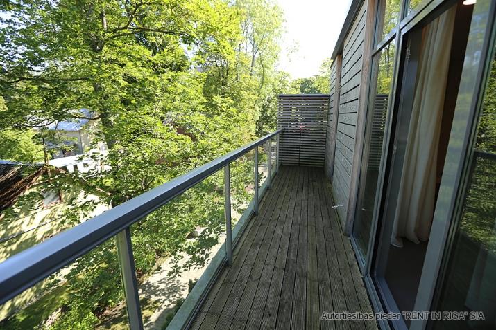 Sludinājumi. Plašs dzīvoklis Jūrmalā, Dubultos. Jaunais projekts, augstas kvalitātes apdari. Plaša viesistaba, Cena: 329000 EUR Foto #5