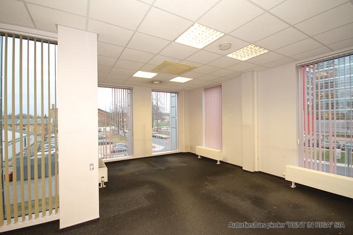 Объявление. Open space office in A-class office building on Duntes Street 3.  Lease payment: 13 EUR/m2 + VAT;  Цена: 1789 EUR/мес. Foto #1
