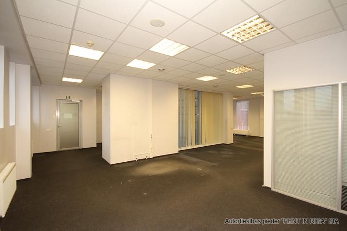 Объявление. Open space office in A-class office building on Duntes Street 3.  Lease payment: 13 EUR/m2 + VAT;  Цена: 1789 EUR/мес. Foto #3