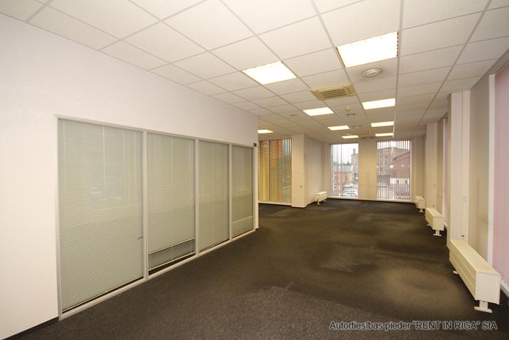 Объявление. Open space office in A-class office building on Duntes Street 3.  Lease payment: 13 EUR/m2 + VAT;  Цена: 1789 EUR/мес. Foto #4
