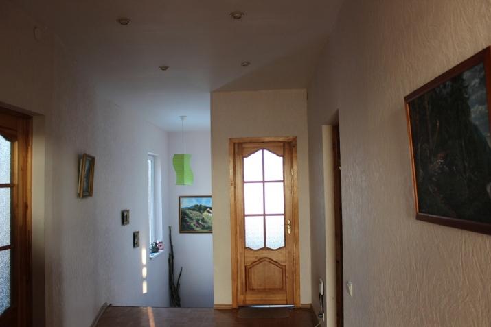 Sludinājumi. Pārdod plašu divstāvu mūra māju Pļaviņu pilsētas pašā centrā. Ēka vēsturiska  celta 1910.gadā. 1. Cena: 99000 EUR Foto #2