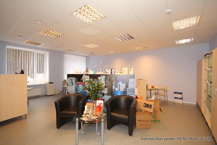 Sludinājumi. Birojs t/c \'DEPO\' rajonā aiz ulbrokas kapiem.  + 2. stāvā. + Platības sastāv no atvērtas telpas un Cena: 414 EUR/mēn Foto #4
