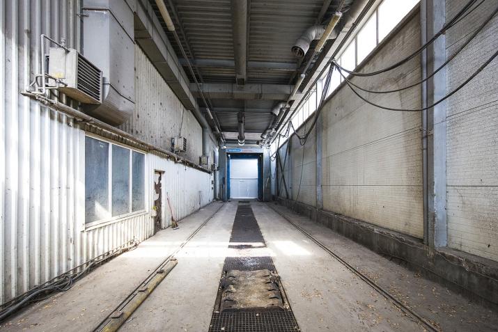 Sludinājumi. Gatavs, aprīkots komercobjekts smagā transporta apkopēm un to mazgāšanai.  Būve 2 stāvos:  1. stāvā Cena: 330000 EUR Foto #4