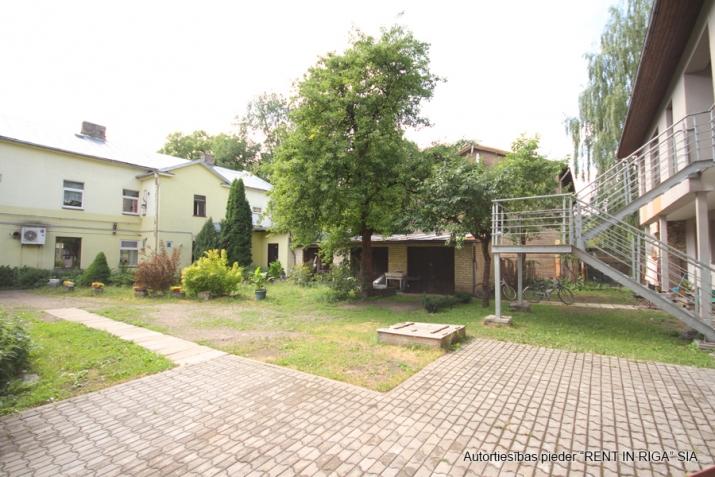 Sludinājumi. Pārdošanā 4 dzīvokļu namīpašums labā klusā vietā Čiekurkalnā. Plānojums: 1.stāvā - 2 dzīvokļi Cena: 495000 EUR Foto #5