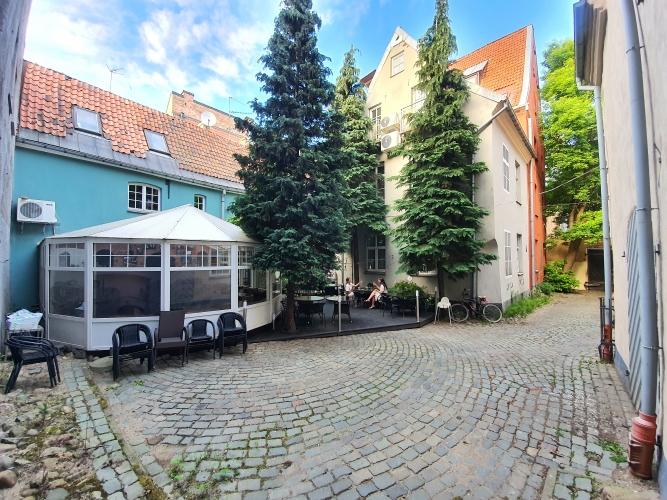 Sludinājumi. Izbaudiet privātmājas priekšrocības pašā Rīgas sirdī - Vecrīgā!  Pārdod Namīpašumu Vecrīgā. Cena: 620000 EUR Foto #2