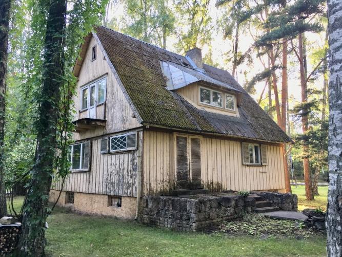 Sludinājumi. Māja 20. gs. sākumā celta kā turīgu rīdzinieku vasarnīca, arī mūsdienās gandrīz katrs sapņo par Cena: 250000 EUR Foto #4