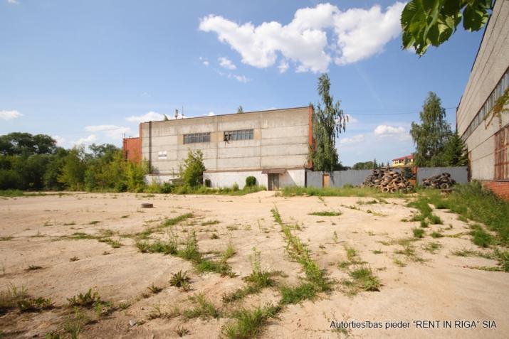 Sludinājumi. Nomai tiek piedāvāts betonēts laukums Mūkusalas ielā 49.  Ērta piekļuve no Buru ielas (atsevišķi Cena: 1200 EUR/mēn Foto #2