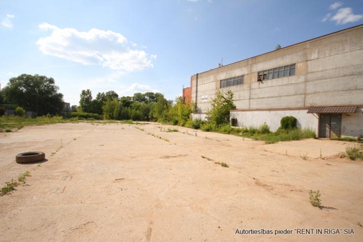 Sludinājumi. Nomai tiek piedāvāts betonēts laukums Mūkusalas ielā 49.  Ērta piekļuve no Buru ielas (atsevišķi Cena: 1200 EUR/mēn Foto #4
