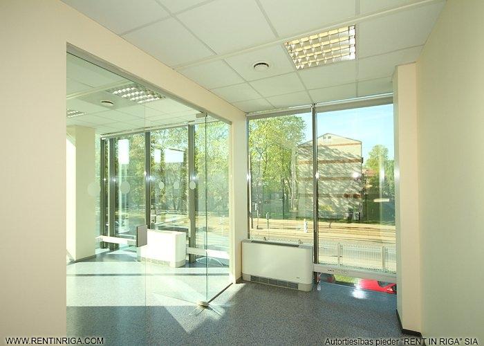 Объявление. Iznomā biroja telpas jaunā biroju ēkā Pārdaugavā. Platība izvietota ēkas 5. stāvā. Telpas aprīkotas Цена: 860 EUR/мес. Foto #4