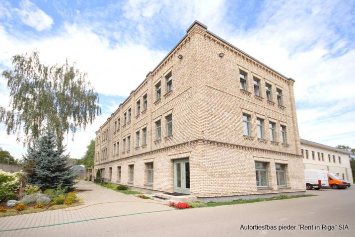 Объявление. Modernas biroja telpas, iespējami vairāki dalījumi. Ēka ir pilnībā renovēta pēc augstākajiem Цена: 3870 EUR/мес. Foto #2