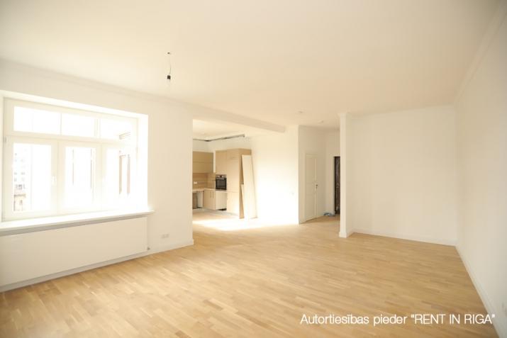 Sludinājumi. Pārdod plašu 3-istabu dzīvokli pilnībā renovētā Jūgendstila Namā!  Jugendstila nami Ernesta Cena: 175225 EUR Foto #2