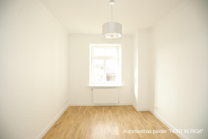 Sludinājumi. Pārdod plašu 3-istabu dzīvokli pilnībā renovētā Jūgendstila Namā!  Jugendstila nami Ernesta Cena: 175225 EUR Foto #5