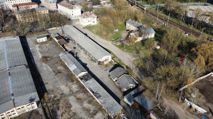 Sludinājumi. Īpašums ar izcilu atrašanās vietu  Šobrīd:  +Uz 5570m2 lielā zemes gabala atrodas 1500m2 liela Cena: 490000 EUR Foto #5