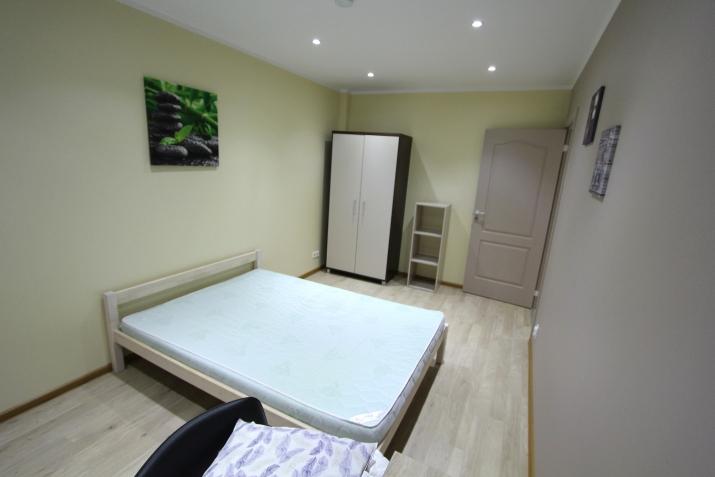 Sludinājumi. Piedāvajam īres dzīvokli Rīgas centrā. Dzīvoklis aprīkots ar visu nepieciesamo sadzīves tehniku. Cena: 450 EUR/mēn Foto #3