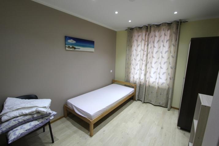 Sludinājumi. Piedāvajam īres dzīvokli Rīgas centrā. Dzīvoklis aprīkots ar visu nepieciesamo sadzīves tehniku. Cena: 450 EUR/mēn Foto #4